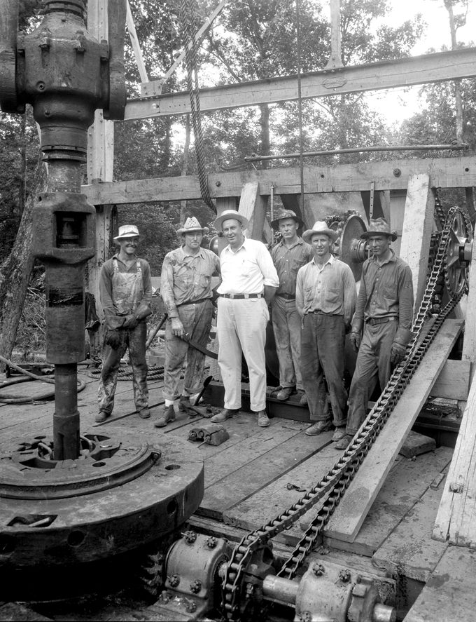 history_Driller-Jack-Clark-(white-shirt)-and-Crew-east-Texas-1930's