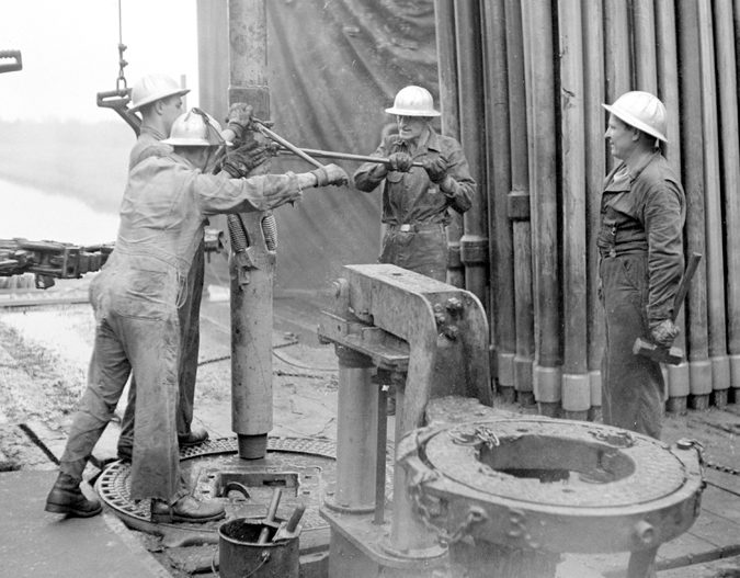 Sometimes-it-takes-an-old-pro-to-show-the-young-roughnecks-how-it-is-done…1950s
