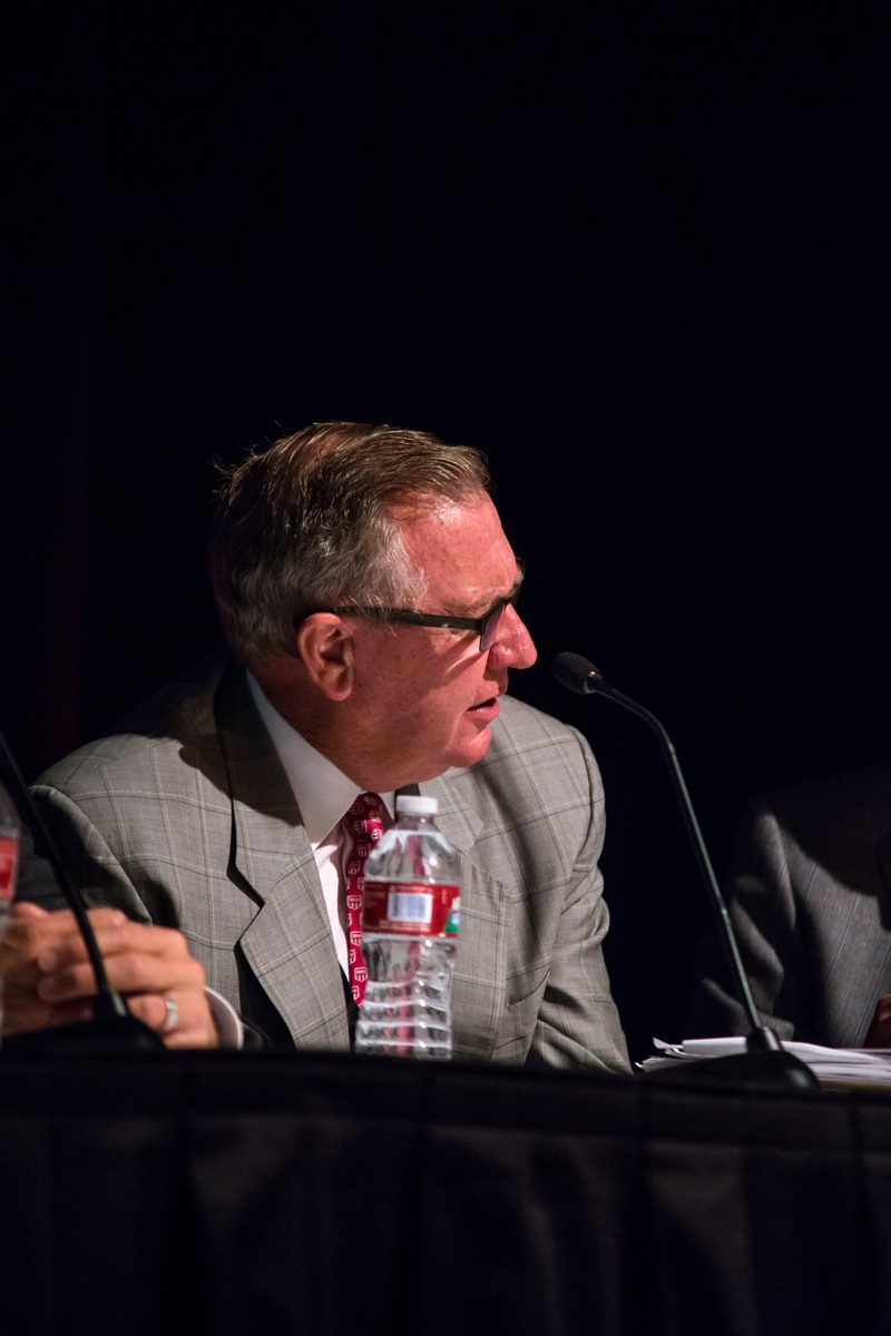 Right: Jerry Moyes, Swift Transportation, has invested major capital into converting to LNG