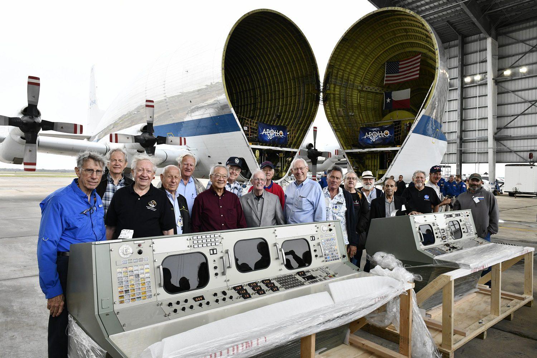 Apollo Legends Reunite, Restored Historic Mission Control Unveiled