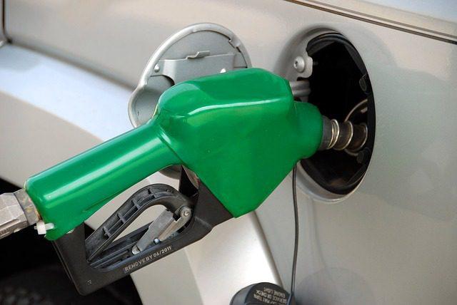 Gasoline prices decline as summer begins