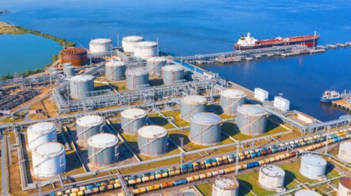 Oil inventories increase, storage near capacity